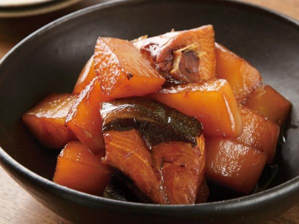 Cá cam kho củ cải kiểu Nhật