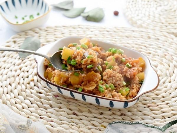 Cơm quinoa (diêm mạch) thịt bò và khoai tây