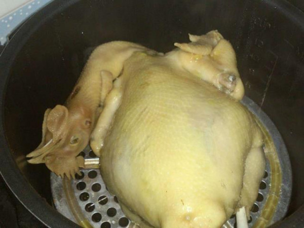 Cách làm gà hấp rau răm