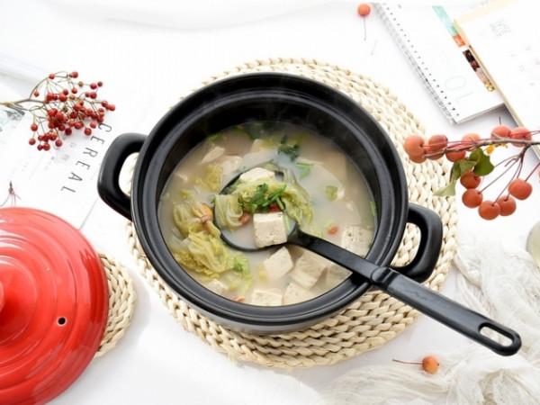 Canh hạt dẻ nấu với đậu hũ và cải thảo