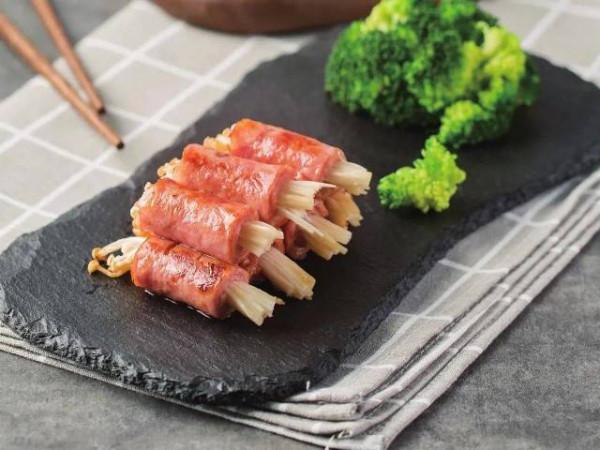 Thịt ba chỉ xông khói cuộn nấm kim châm